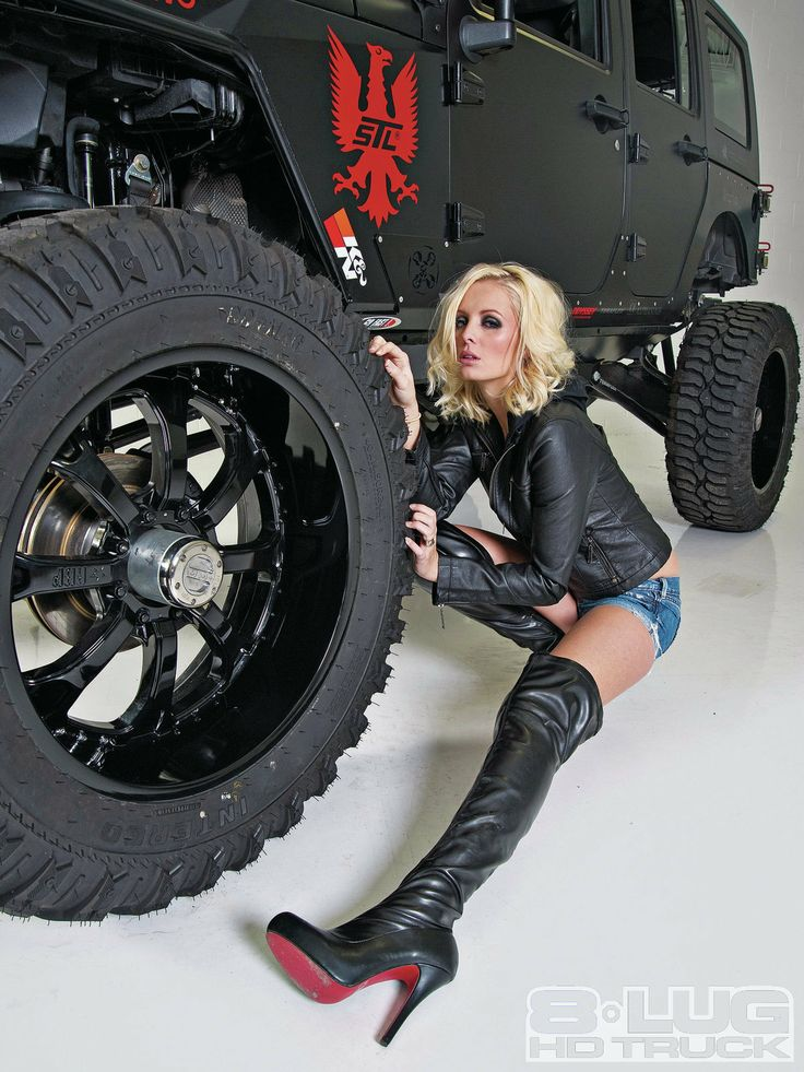 Eight Lug Jeep 2009 Jeep Wrangler 2009 Jeep Wrangler With Model Annelise Jorgenson