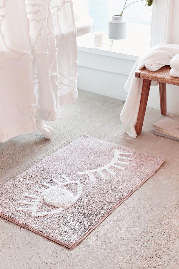 Wink eyelashes bath mat
