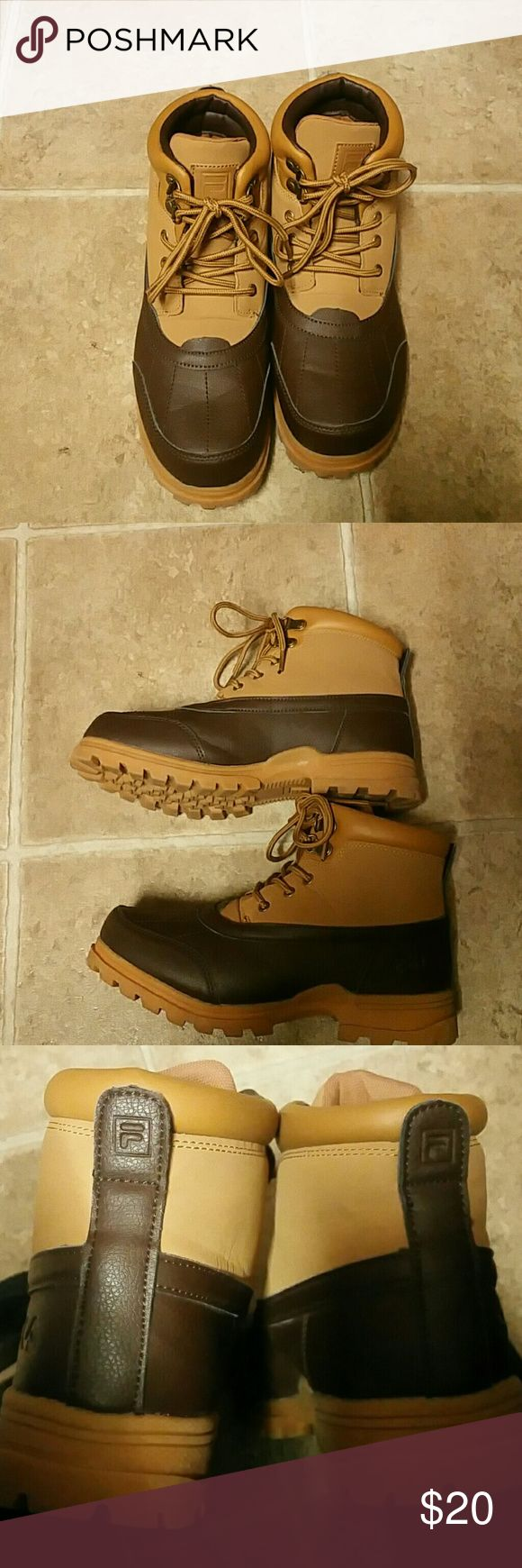 Fila Boots youth Gently Used few times  Non visible marks Fila Shoes Boots