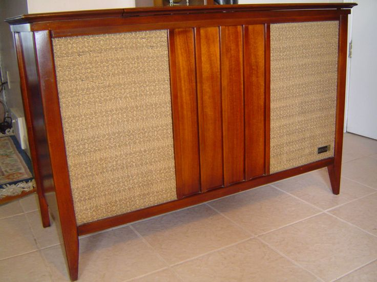 Vintage Zenith Stereo Radio / Record Player Console, Mid Century Modern  Furniture, LOCAL Pick