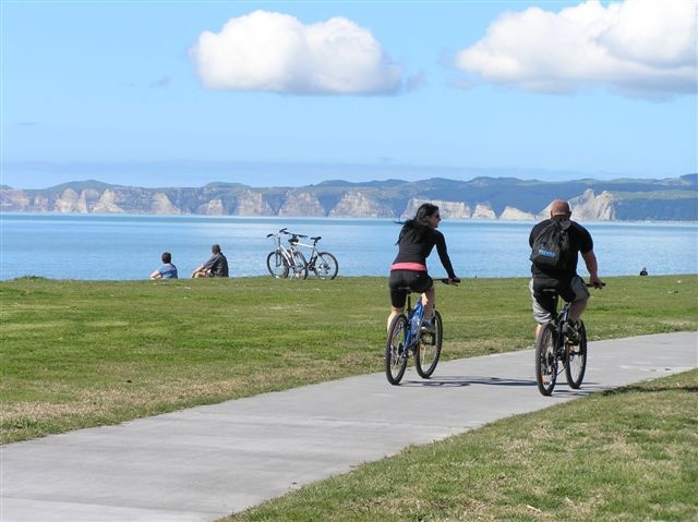 Hawke's Bay NZ, Cycle Path Marine Parade