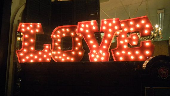 Love this LOVE sign... just in time for Valentine's Day!: Carnivals Letters, Letters Lights, Letters Mark, Lights Fixtures, Marquee Letters, Houses Decor, Bright Lights, Cardboard Letters, Carnivals Wedding