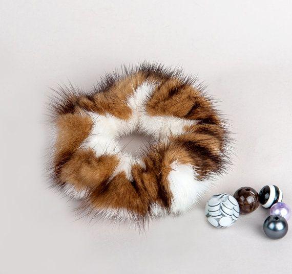 Natural Fur White and Gold Scrunchie от HandMadeFurU на Etsy