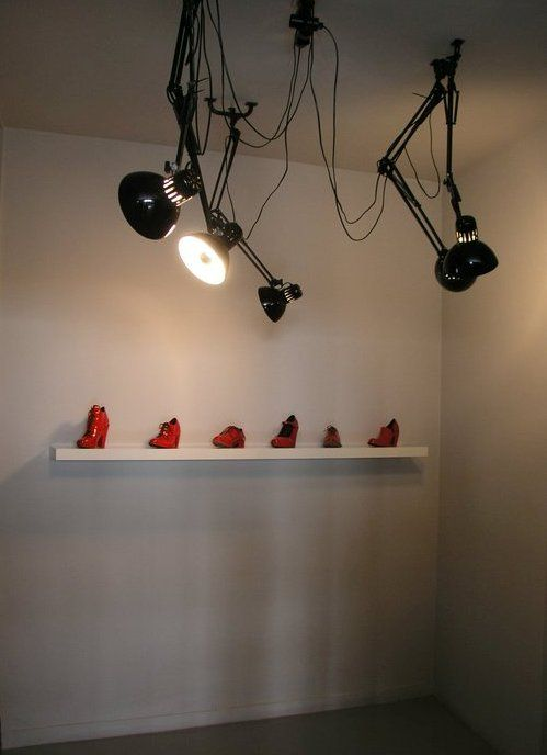 SHOES SHOWROOM'S DETAIL