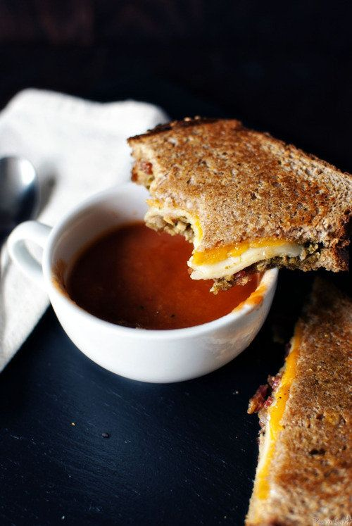 Mmmm . . . .: Crock Pot, Tomatoes Soups, Crockpot, Slow Cooker Soups, Art Photography, Grilled Cheese Sandwiches, Grilled Chee Sandwiches, Soups Recipe, Comforters Food