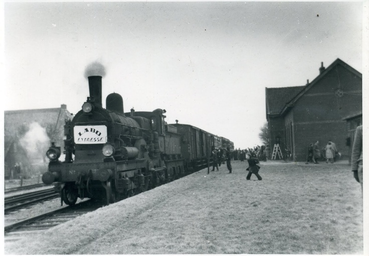 """""""It Dokkumer Lokaeltsje"""" In the beginning of the last century drove a slow train from Dokkum to Leeuwarden. It was a much celebrated train. The song """"In het Dockumer Lokaeltsje"""" has become a kind of second national anthem for Dokkum."""