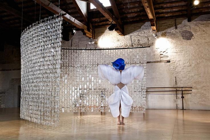 üveg függöny installáció by Salviati interiors