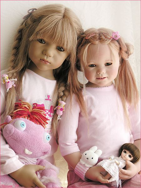 I am TOTALLY freaked out by these creepy dolls!!!!Annalisa, Gretchen, and Daniela #dolls