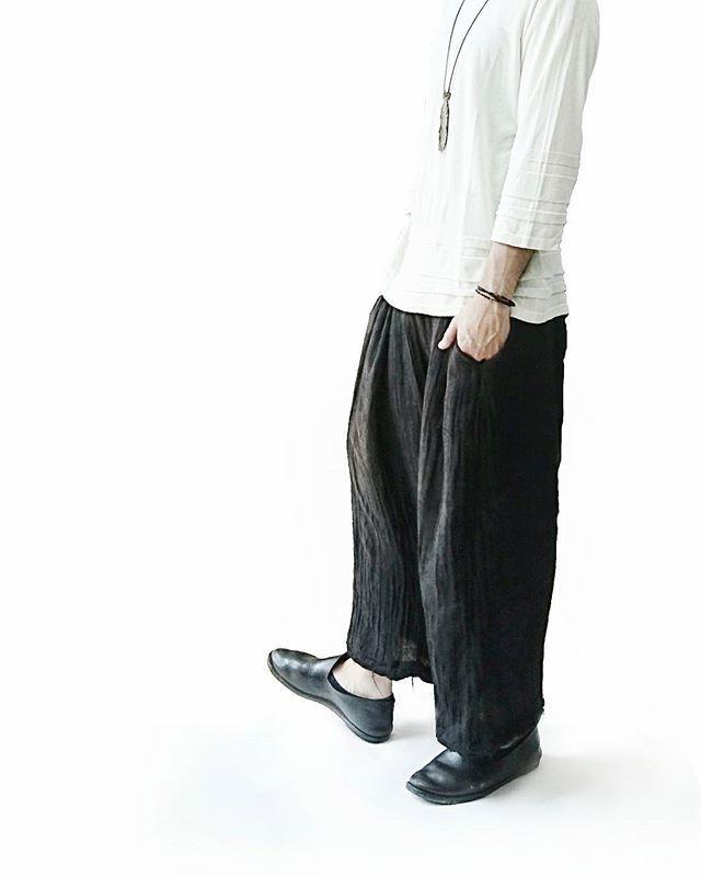 友達のブランドでオーダーしてたトップスをやっと受け取ってきました。 割とこのサイズ感は今まで持ってなかったので重宝しそう。 . . . Tops / #masu @masu_official Pants / #aleksandrmanamis Shoes / #guidi . . . #fashion #mensfashion #style #mensstyle #coordinate #menscoordinate #outfit #mode #modefashion #ファッション #メンズファッション #コーディネート #メンズコーディネート #モードファッションatsushimojyo