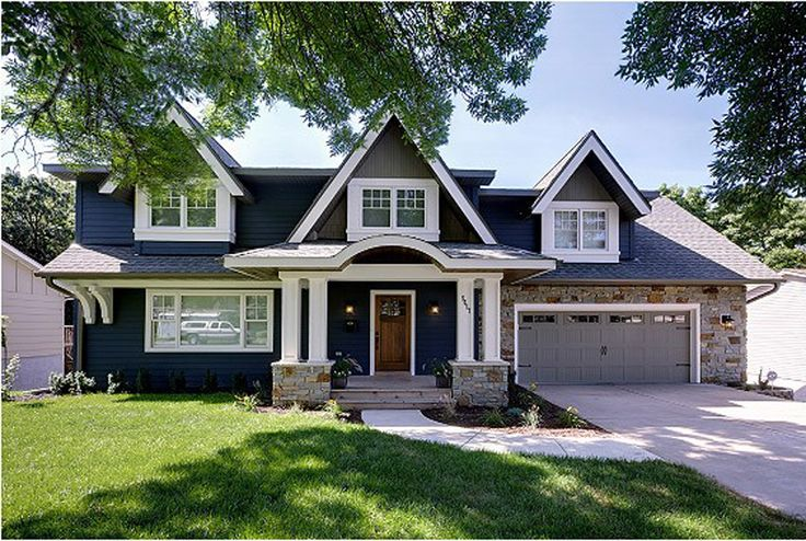 Before and after 9 shocking home exteriors for Home exterior makeover ideas