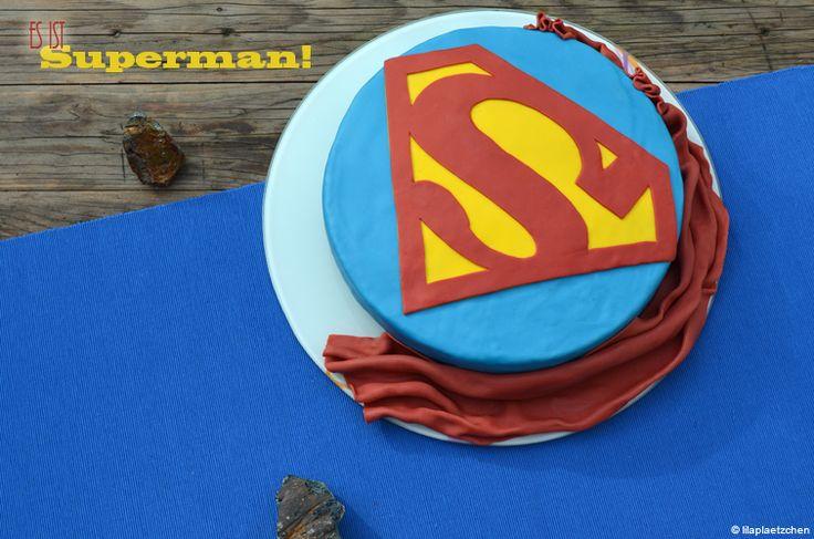 Nein, es ist eine Superman-Torte! Ein Freund von uns hatte letzte Woche Geburtstag. Seine Freundin plante seit einiger Zeit eine Überraschungsparty am Wochenende für ihn. Ich bot mich natürlich für…