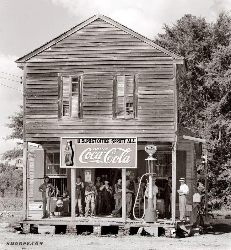 Walker Evans, Crossroads store at Sprott, Alabama. 1935 or 1936