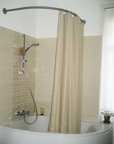 Les 25 meilleures id es de la cat gorie baignoire for Rideau de douche pour baignoire d angle