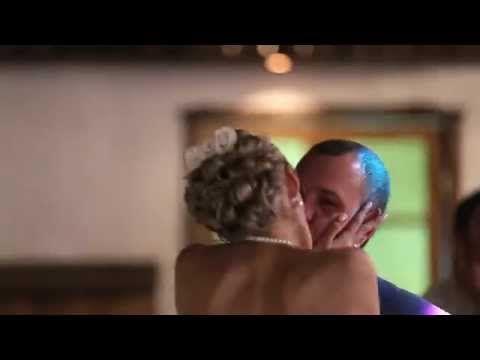 Горячая пара, как и их страстный поцелуй (свадебный клип страстных жениха и невесты) - YouTube