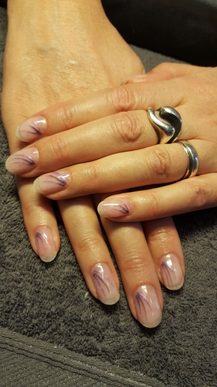Naturel nail with igel
