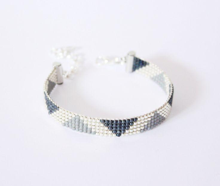 BRACELET TISSÉ PERLES MIYUKI / gris , argenté , noir : Bracelet par tadaam-bijoux