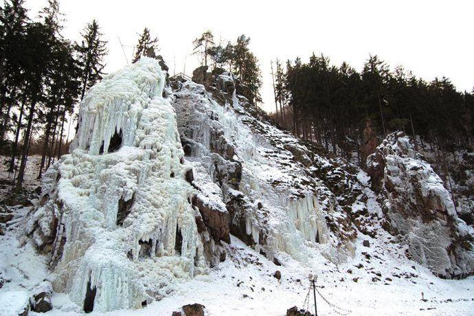 - Ledová stěna Vír
