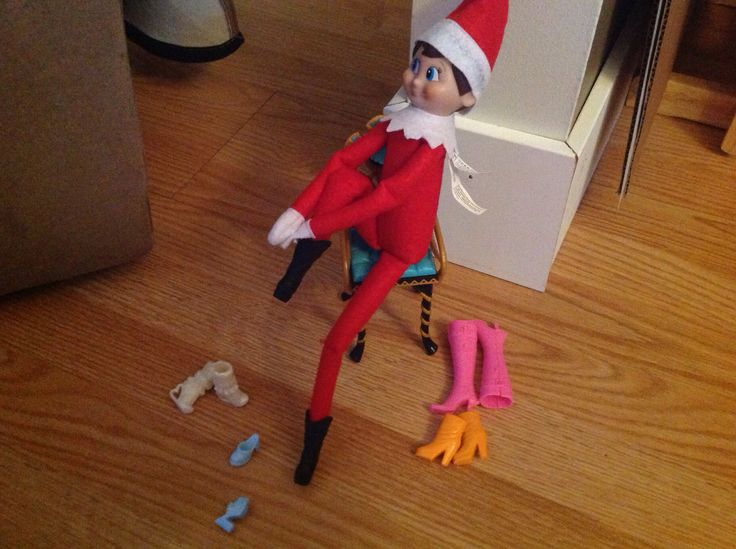 Elf on the Shelf does a little shoe shopping