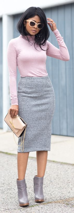 I would wear different shoes but i love the colour combination of the grey skirt and pink top