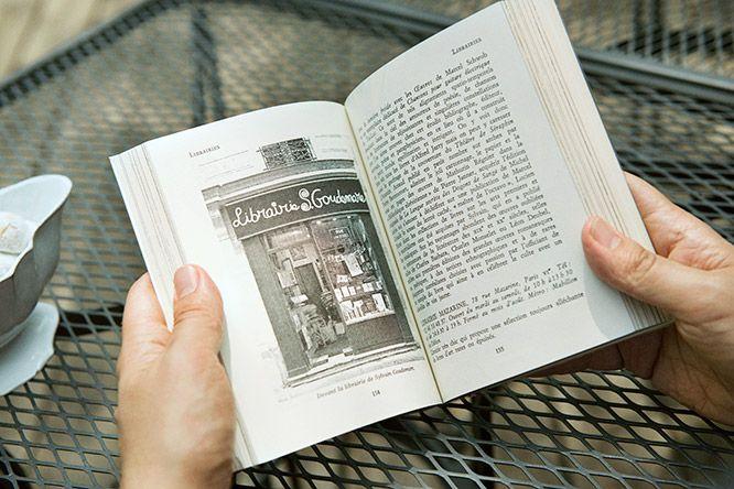 パリで唯一の陶器メーカー〈アスティエ・ド・ヴィラット〉がなんと、出版社を設立しました。第一弾はパリのガイドブックです。