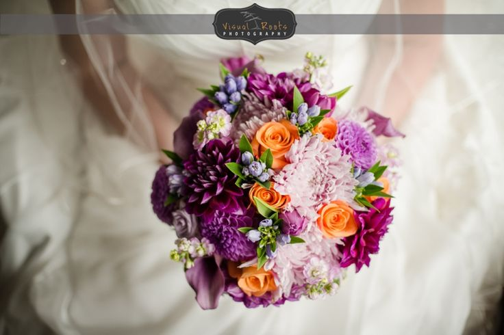 Popping spring colors in this lovely bouquet