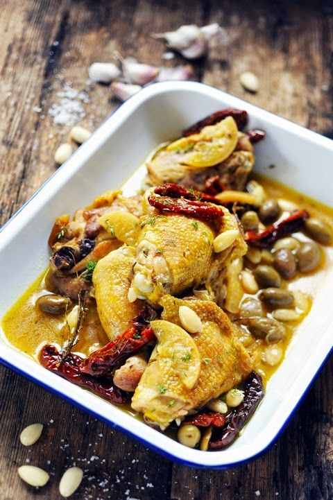 Fricassée de poulet aux amandes et tomates séchées - Almond and sundried tomatoes chicken fricassee - Recipe in English...