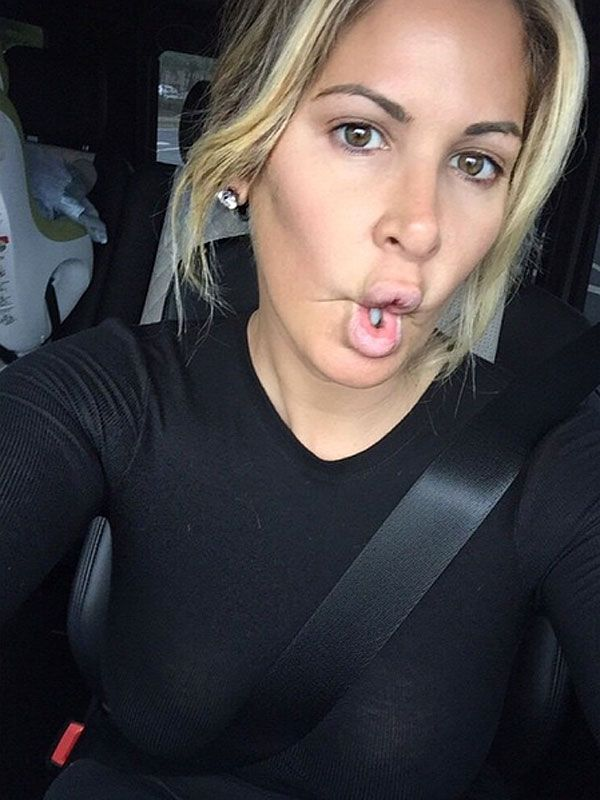 Kim Zolciak Goes Makeup-Free in Her Latest Insta Selfie (PHOTO) http://stylenews.peoplestylewatch.com/2015/04/30/real-housewives-of-atlanta-kim-zolciak-shares-makeup-free-selfie-instagram/