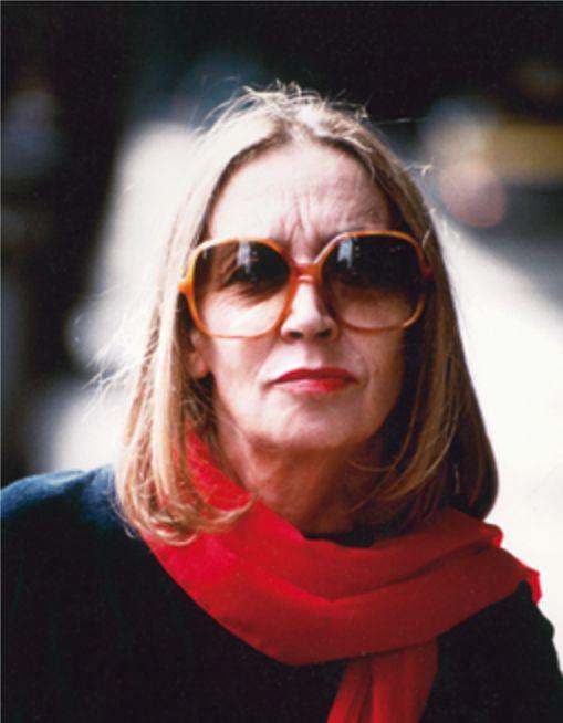 L'ultimo servizio fotografico a Oriana è quello di Oliviero Toscani del 1990, in occasione dell'uscita di Insciallah (5) - Foto - Oriana Fallaci