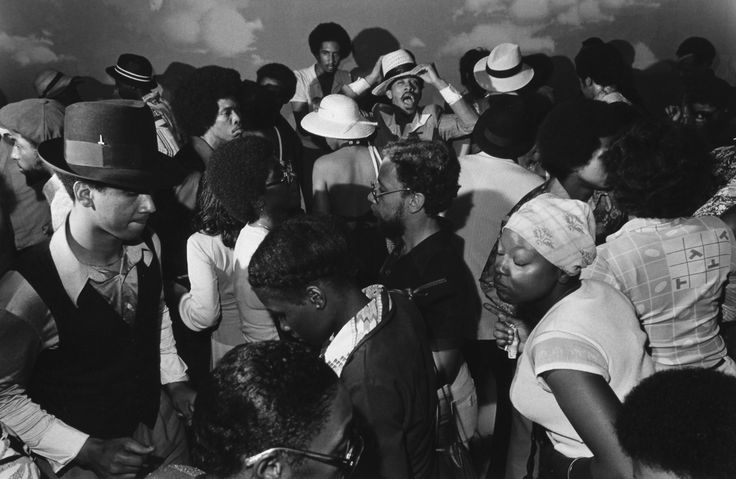 Rarely-Seen Photos Spotlight The 1970s Social Scene Of South Side Chicago http://www.huffingtonpost.com/2014/09/12/michael-l-abramson-south-side-photos_n_5811824.html
