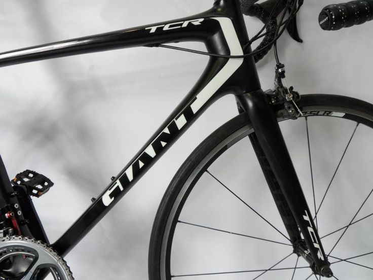 Used Giant TCR Advanced SL1 Dura Ace 11.  Bargain Hunters take note.......  We have a number of ex Demo and ex Race bikes available for sale. Most have had minimal use and generally are in great condition. Range of sizes Medium, Medium/Large, and Large.