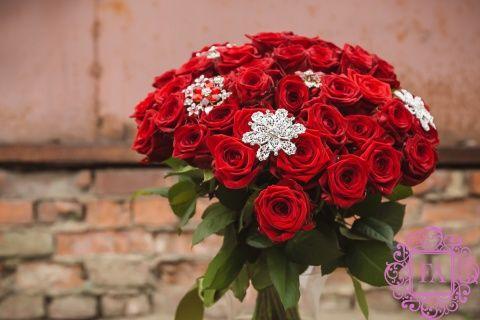 51 алая роза, букет из алых роз Франк Оливер купить с доставкой в Москве