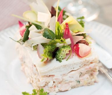 Sandwich cake with salmon and shrimps