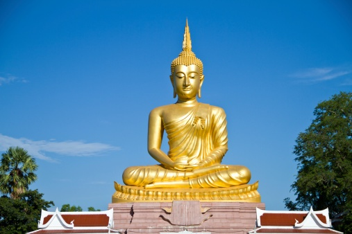A place to see one of the world's biggest Buddhas, found in the Wat Muang Monestary in the Ang Thong province #Thailand