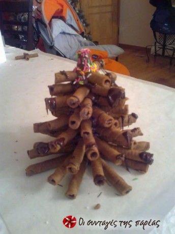Δεντράκι με πουράκια Caprice και σοκολάτα. Είναι δική μου ιδέα.