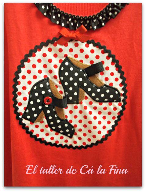 "Camiseta flamenca nadadora ""Tacones"" detalle #camisetasflamencas #camisetaspersonalizadas #camisetasdecoradas"