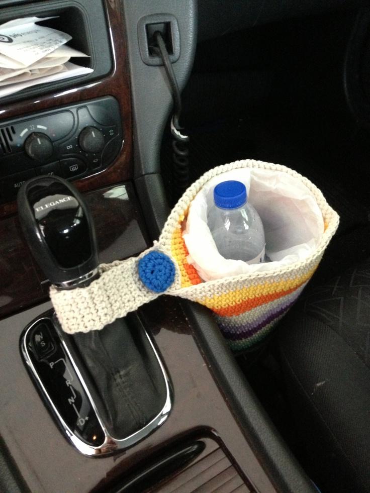 Para o lixo do carro