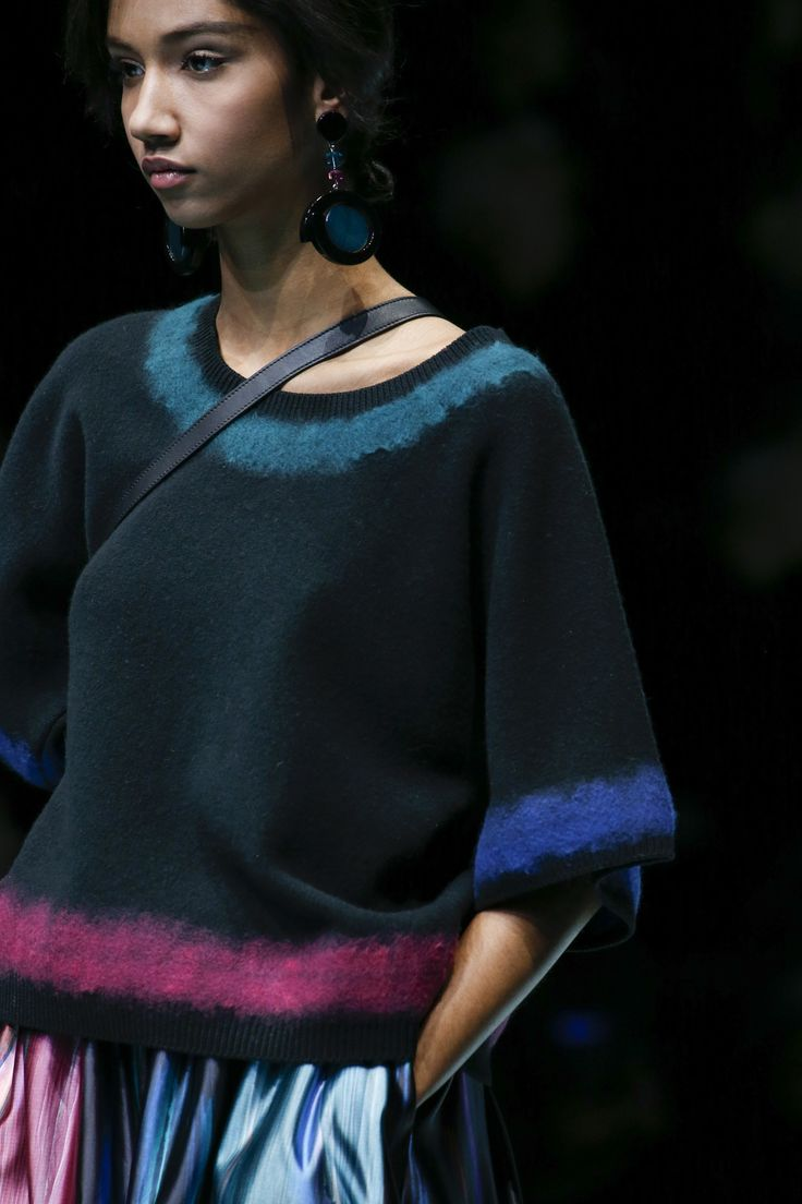 Giorgio Armani Fall 2018 Ready-to-Wear Collection - Vogue