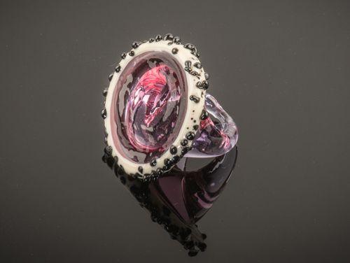 Ring van Venetiaans glas in diverse maten verkrijgbaar. Ambachtelijk gemaakt op het eiland Murano.