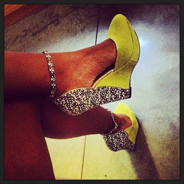 Love These!<3 Yellow and sparkle wedge shoes. http://www.missKrizia.com