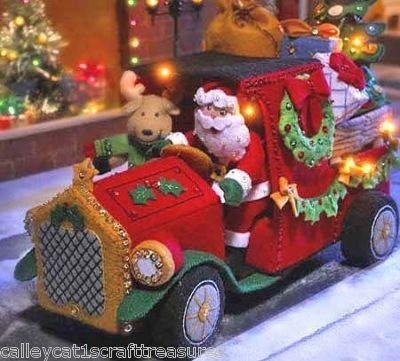 Bucilla Here Comes Santa Truck ~ 3D Felt Christmas Kit #86058 With Real Lights