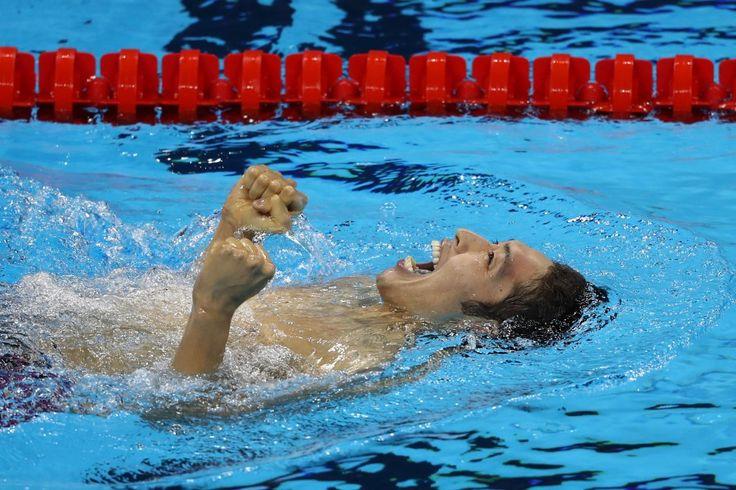 リオ五輪第1日。水泳。日本の萩野公介が男子400m個人メドレーで金メダルを獲得=ブラジル・リオデジャネイロ