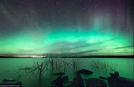 Aurora over Lievestuore in central Finland Tuesday night ( Janne Heimonen via SpaceWeather.com )