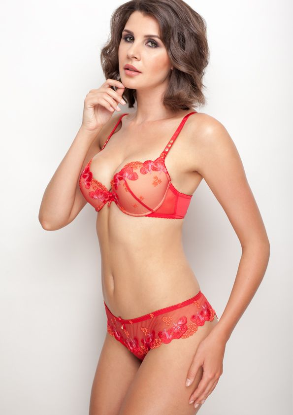 Samanta lingerie - New collection Goshenit crimson bra: A479 pants: M300 www.samanta.eu