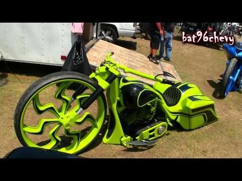 """Custom Bagger Motorcycle w/ 32"""" Wheel - 1080p HD Samaa News"""