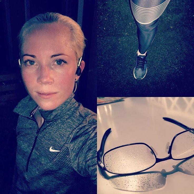 It's raining i Stockholm today  Last run fot this week is done now nice but kind of wet  Have a perfect friday everyone  #run #running #womensrunningcommunity #älskalöpning #jagspringer #instarunners #gettheworldrunning #nike #runkeeper #runfastlivefearless #runforfun #löpning #sweden #worlderunning #runlikeagirl #morningrun #morgonlöpning #runninggirl #runhappy #loverunning #nikerunning  #iloverunning #springrun #vårlöpning #rehband #løp #laufen #juoksu #runforhealth #runspo by runnica