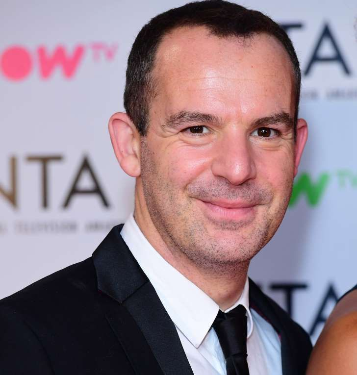 Martin Lewis in scam warning to fans - as Facebook adverts use HIS name to con people into dodgy investments    https://www.msn.com/en-gb/money/news/martin-lewis-in-scam-warning-to-fans-as-facebook-adverts-use-his-name-to-con-people-into-dodgy-investments/ar-BBJyqRQ
