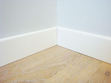 plinthe blanche mdf