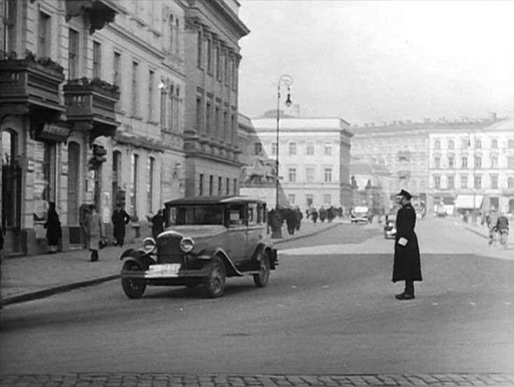 Warsaw in 30s