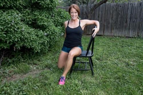 Etirer quadriceps assis plus sur pour le dos