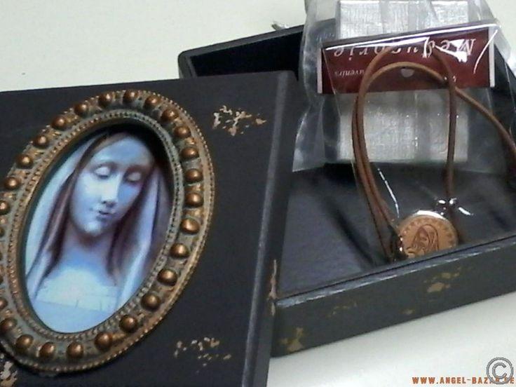 HOLY BOX mit MEDJUGORJE Leder MEDAILLON NEUWARE ♥ Dekorative Geschenkebox im Retro Look aus HOLZ mit Marienbild Bild ist austauschbar - Größe der Box 15 x 15 x 7,5 cm ♥ www.angel-bazar.de